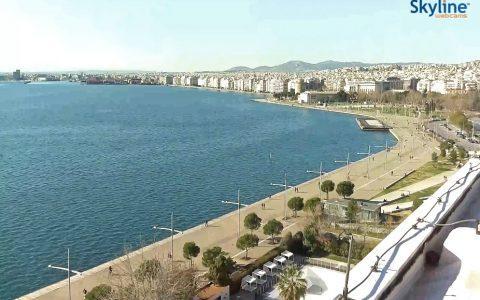 Βλέπουμε ζωντανά τη Νέα Παραλία της Θεσσαλονίκης από την κάμερα στο Makedonia Palace