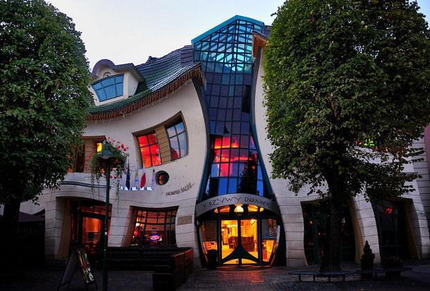 Ανακαλύψτε 10 από τα πιο περίεργα κτήρια στον κόσμο!
