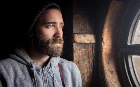 Αυτός που βρέθηκε «θετικός» εν καιρώ κορονοϊού, από τον Ζαχαρία Σιάτρη