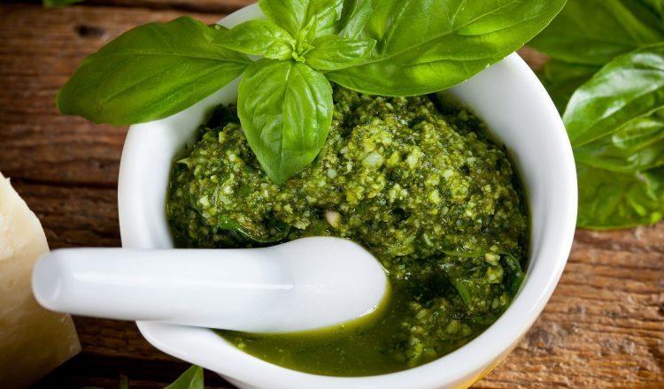 Pesto alla Genovese: η αυθεντική ιταλική συνταγή με την ιστορία της!