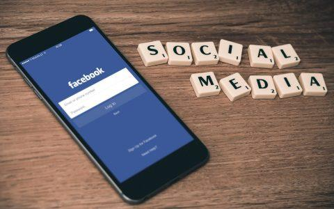 Πώς να διαχειριστείς το στρες που προκαλούν τα social media
