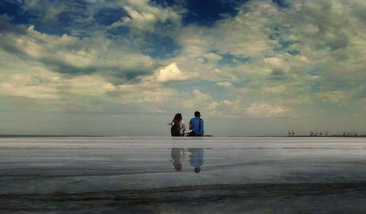 Άνθρωποι δίπλα στο νερό, μια ιδιαίτερη έλξη, από την Αμαλία Φλώρου