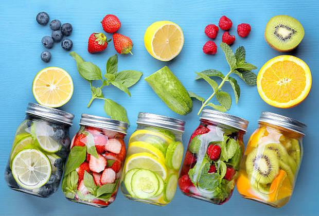Detox Water ή Νερό Αποτοξίνωσης: Μύθοι, αλήθειες και οφέλη