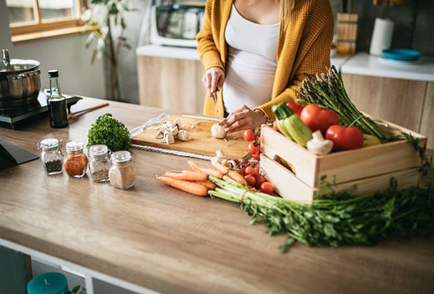 Εγκυμοσύνη και διατροφή, τι είναι καλό να τρώει μια έγκυος;