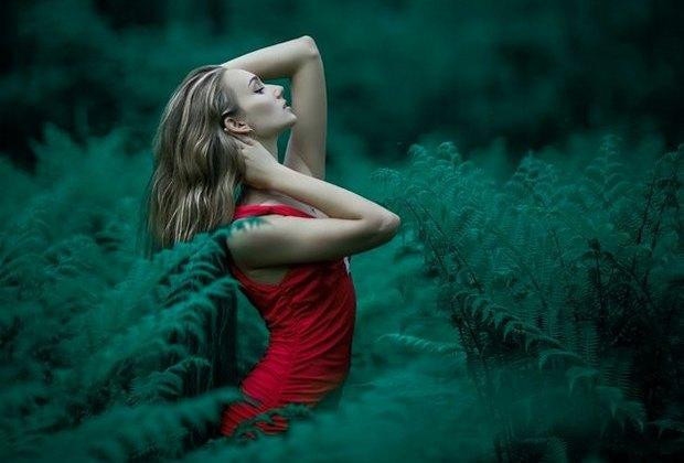 Μη σε πλανεύει η ομορφιά, από τη Μαρία Σκαπαρδώνη