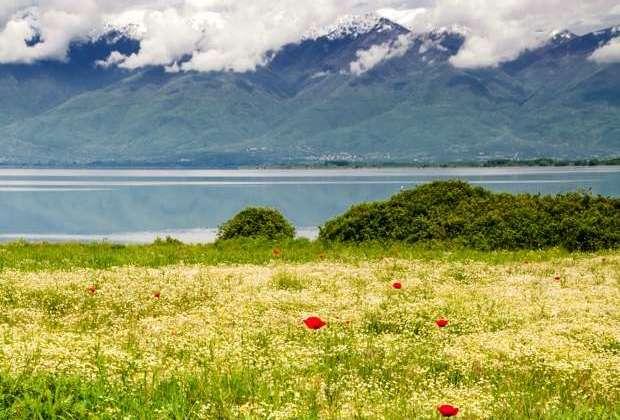Όσοι ζουν κοντά σε λίμνες, θάλασσες και ποτάμια, είναι πιο ευτυχισμένοι!
