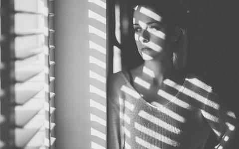 Αγοραφοβία: Αναγνωρίστε τα συμπτώματα και  αντιμετωπίστε τα
