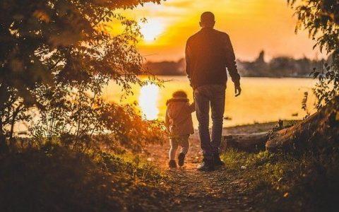 Ο αγχώδης μπαμπάς μπορεί να προκαλέσει διαταραχές στο παιδί του