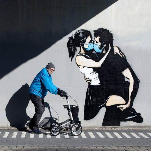 Οι τοίχοι μιλάνε: τα γκράφιτι στην εποχή του Covid19