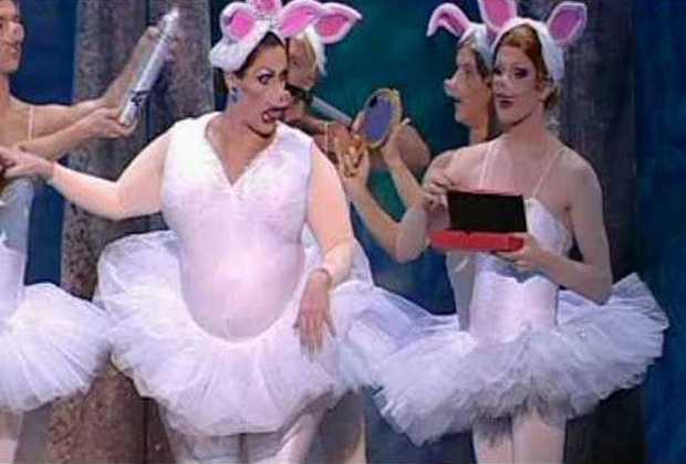 Funny Girls: Η ''αστεία'' ΄Λίμνη των Κύκνων