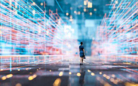 Χάνουμε τη ζωή που δεν ζήσαμε και ζούμε την εικονική πραγματικότητα που διαλέξαμε