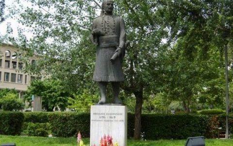 Ανδριάντες και προτομές ηρώων του 1821 στη Θεσσαλονίκη