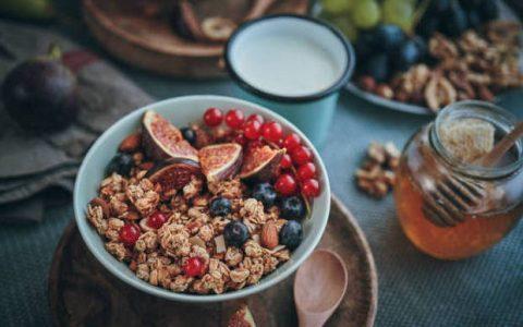 Γκρανόλα: Ποια να επιλέξω και πως να την εντάξω στη διατροφή μου;