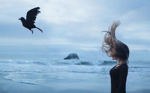 Μάθε να προσπερνάς τους σκάρτους της ζωής και μην κολλάς στον πόνο!