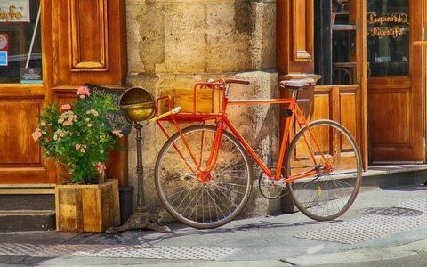 Πολιτική και Ποδήλατο: Η ανάγκη για συνεχή κίνηση, του Ηλία Γιαννακόπουλου